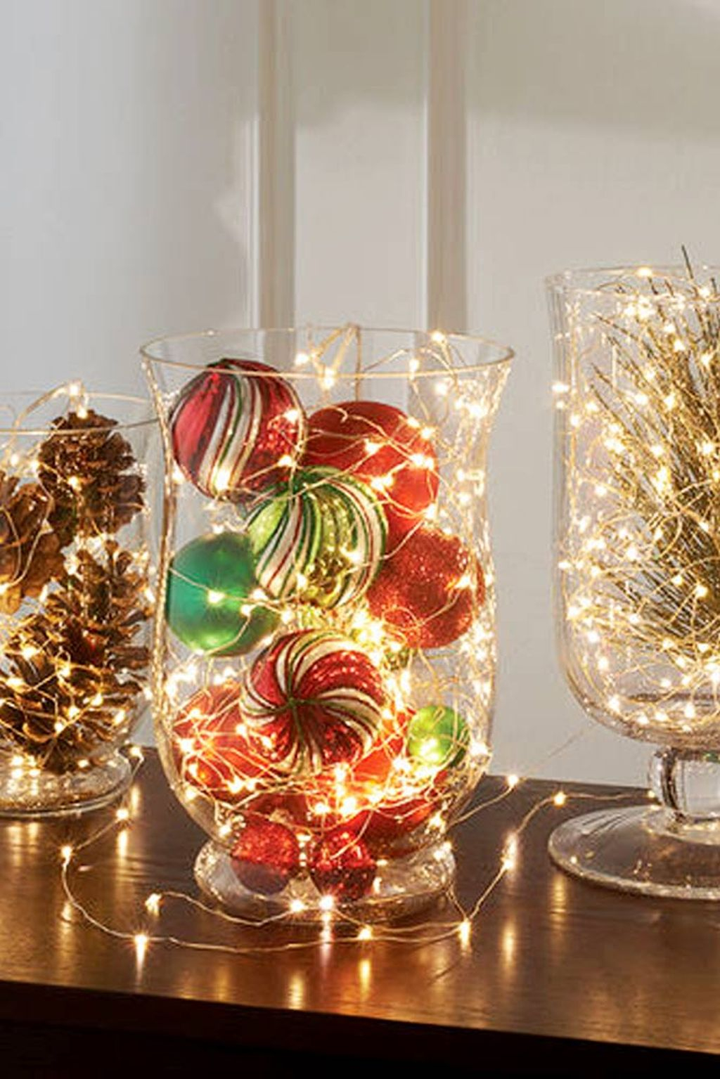 Easy and simple christmas table centerpieces ideas for for Dining table centerpiece ideas home