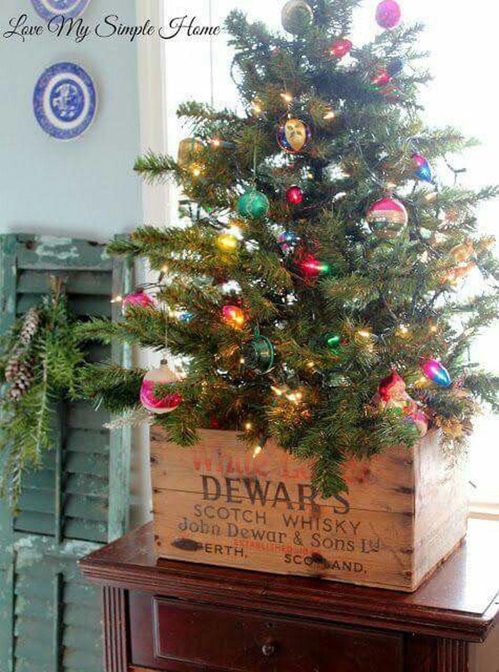 Inspiring Rustic Christmas Tree Decoration Ideas For