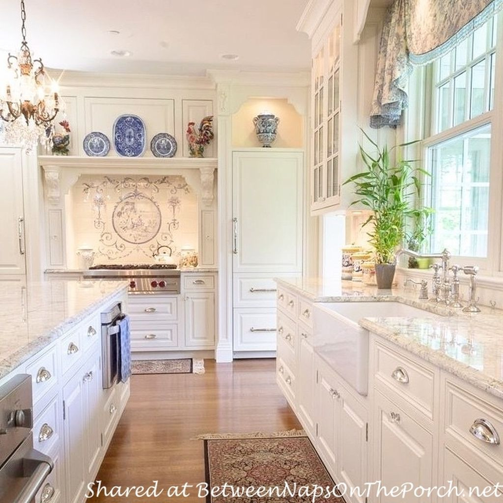 Victorian Style Kitchens: Inspiring Traditional Victorian Kitchen Remodel Ideas 30