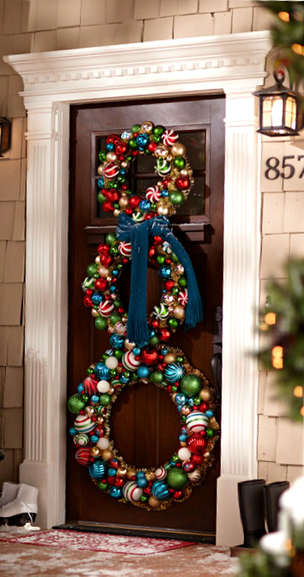 Simple But Beautiful Front Door Christmas Decoration Ideas