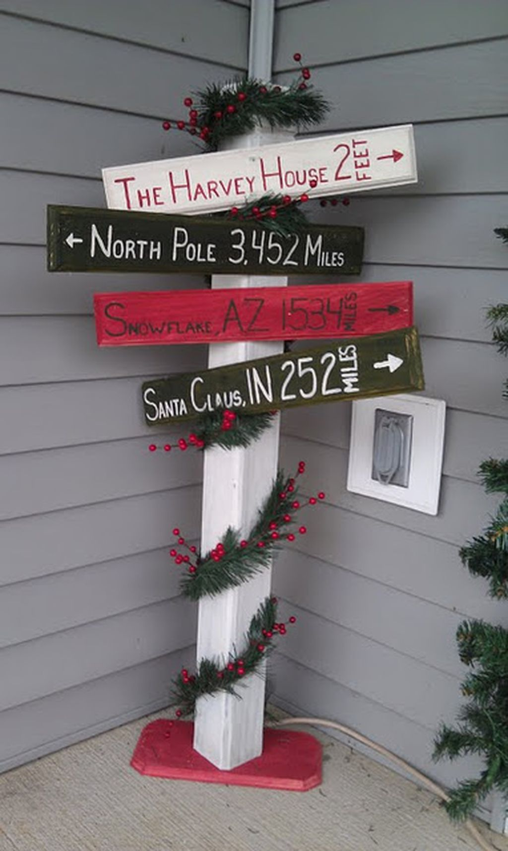 Totally inspiring christmas porch decoration ideas 20 for Homemade christmas yard signs