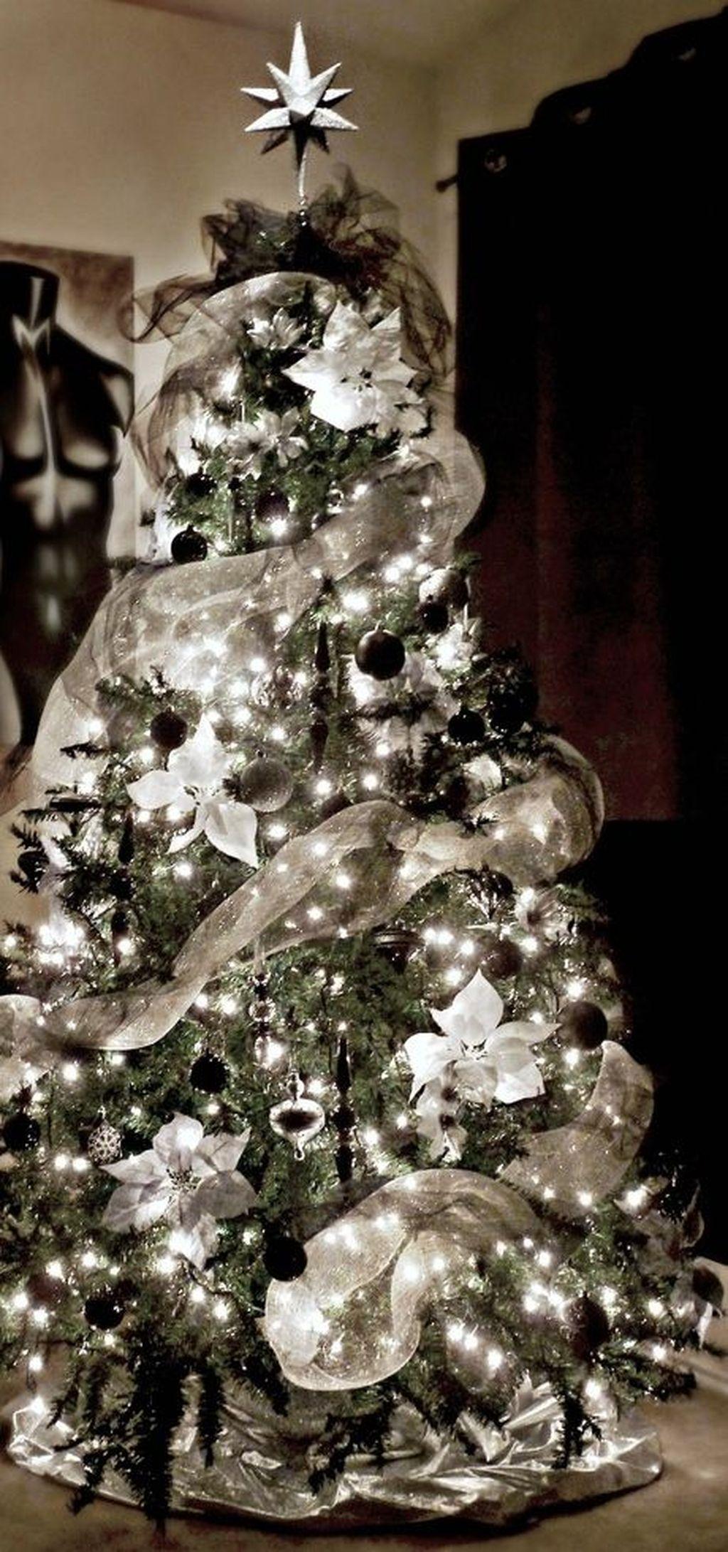 Unique And Unusual Black Christmas Tree Decoration Ideas