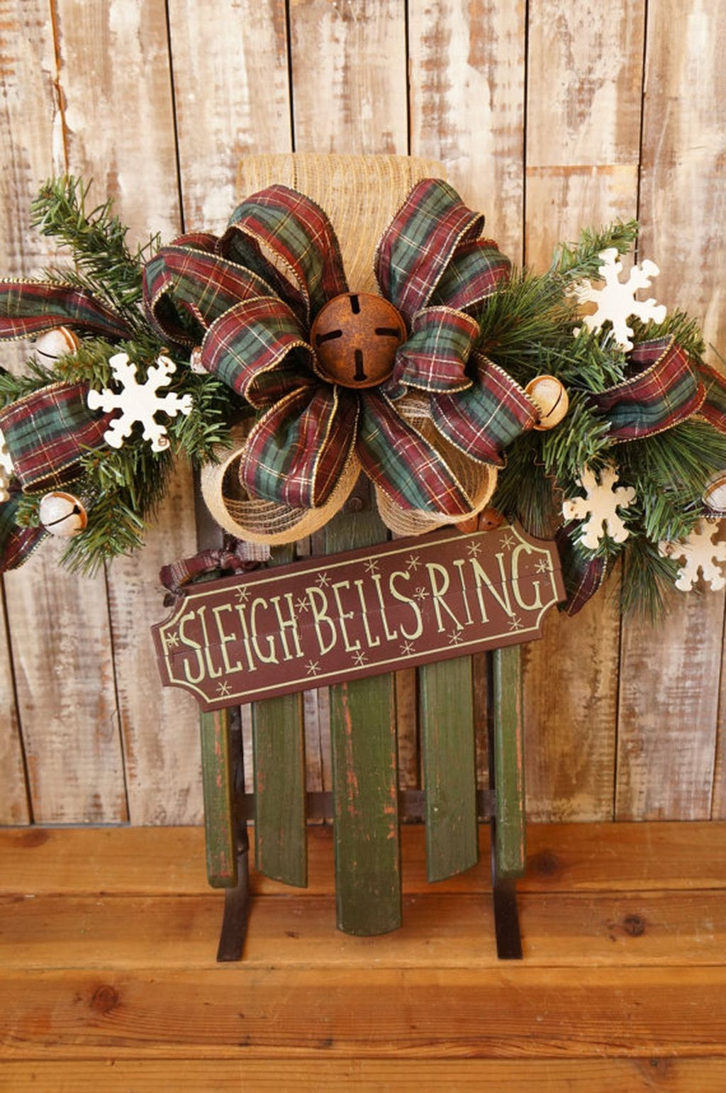 Elegant Rustic Christmas Wreaths Decoration Ideas To