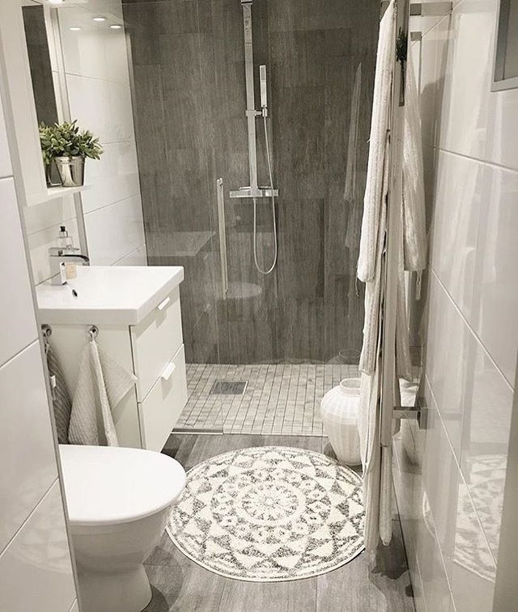 39 cool and stylish small bathroom design ideas homedecorish for Trendy bathroom ideas