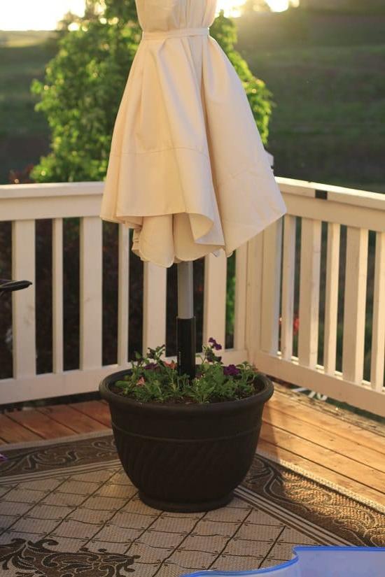 9 Diy Umbrella Stand Planter Ideas For Gardeners Balcony