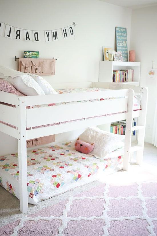 Bright And Happy Shared Girls Room Habitaciones Con Literas